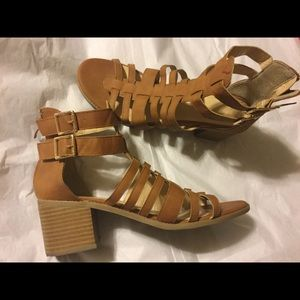 Shoes size 10 Sandals brown